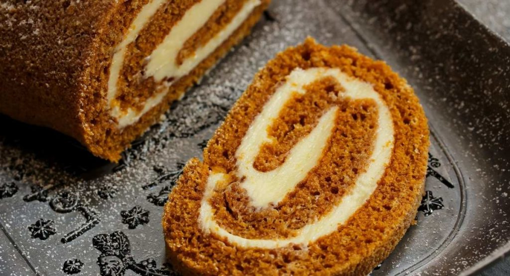 Low-Calorie Ginger Pumpkin Roll Recipe
