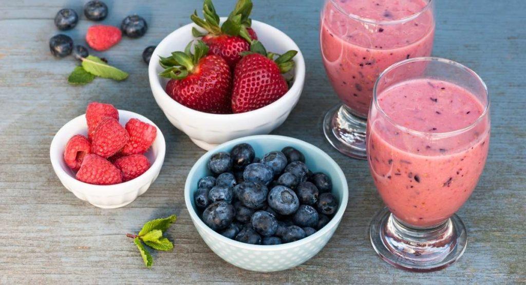 Very Berry Breakfast Smoothie Recipe